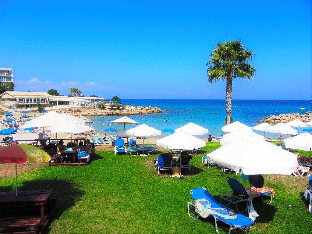 beach-pernera