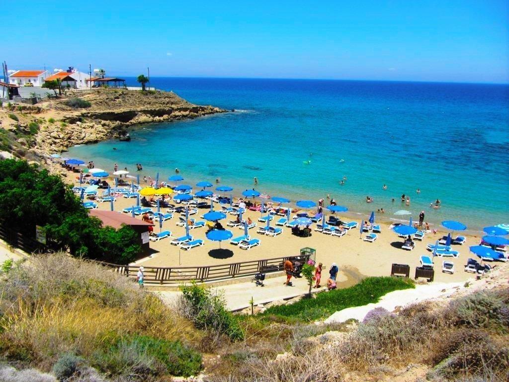 beach-near-villa