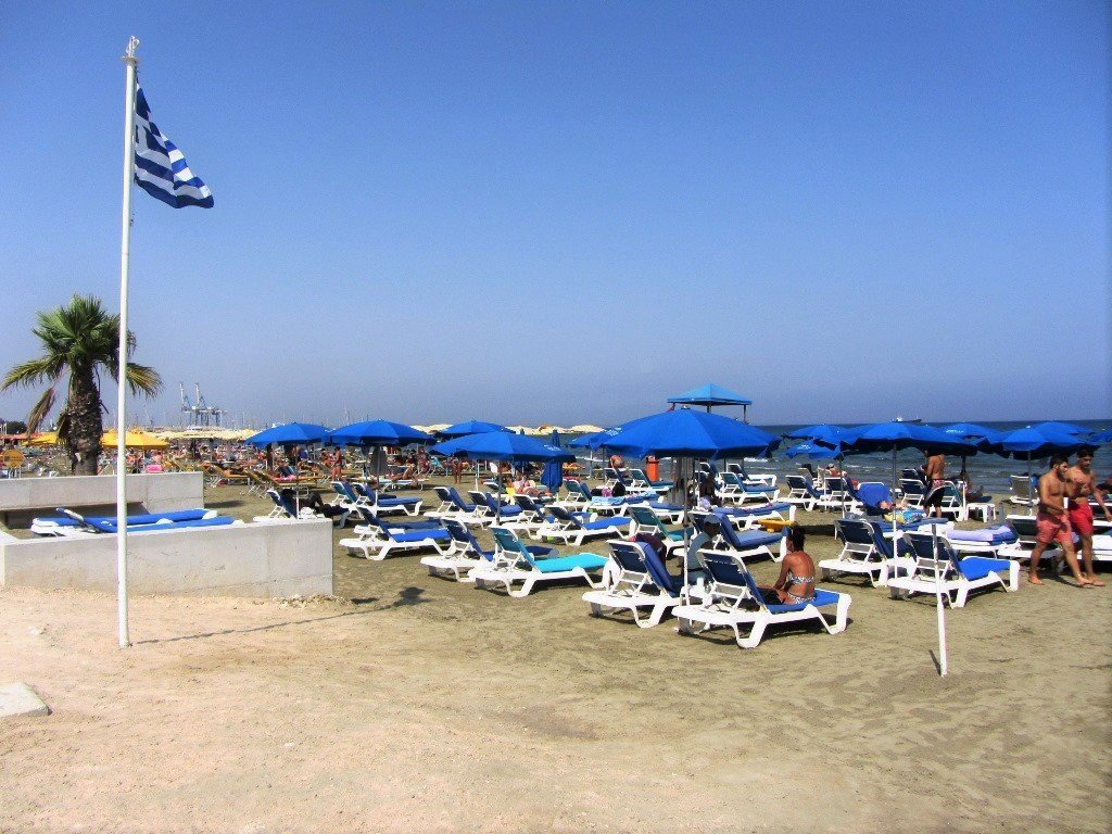 blue-flag-beach
