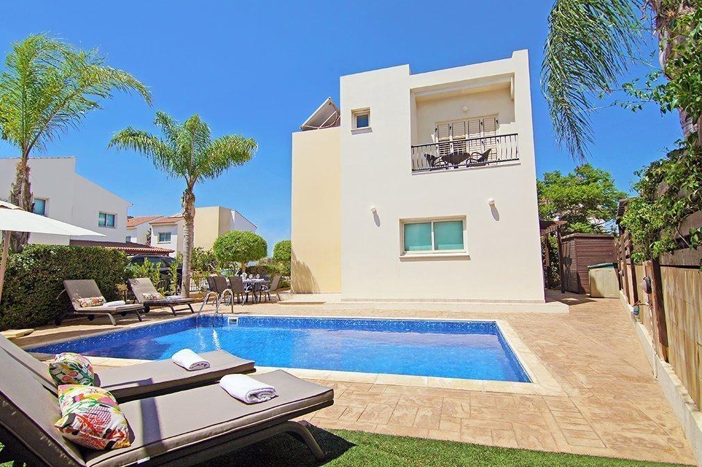 Pernera Beach Villa