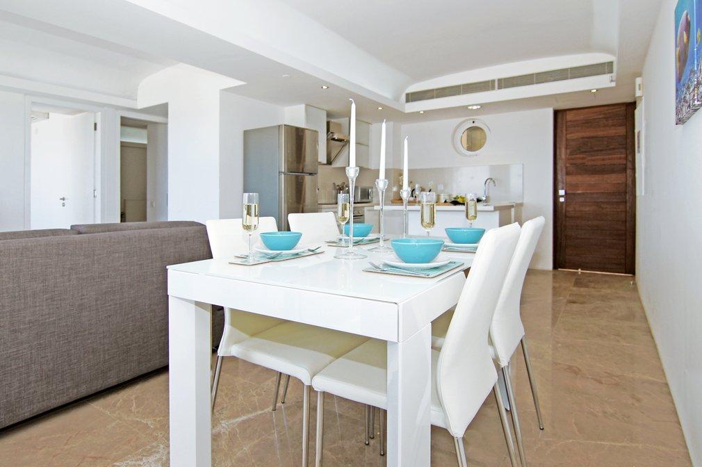 Cavo Maris Dining Table