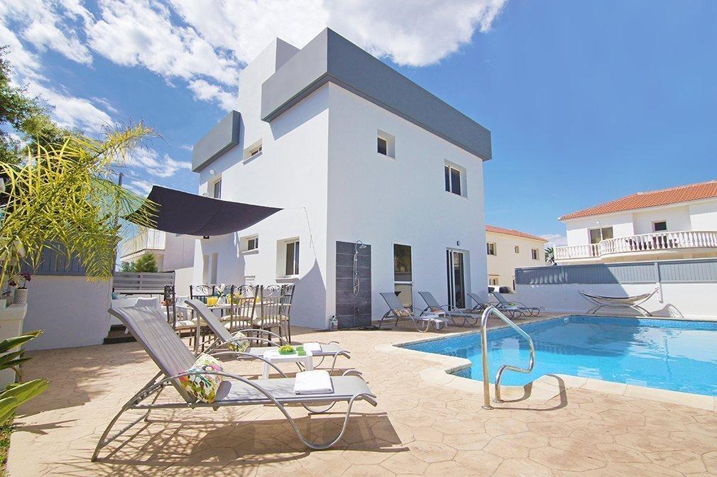 Villa Nissi four bedroom