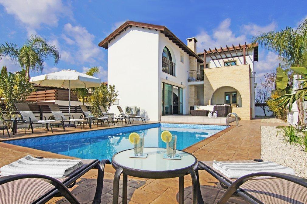4-bed-villa