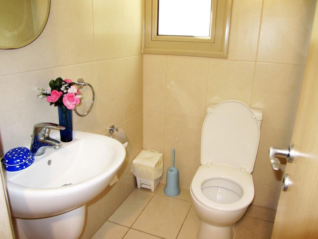 quests-toilet
