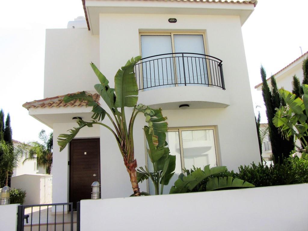 Villa Palm front