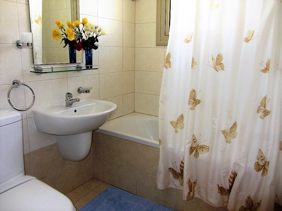 three bedroom villa bathroom