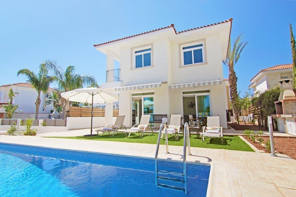 corali villa with pool
