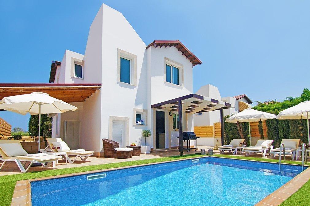 villa in protaras